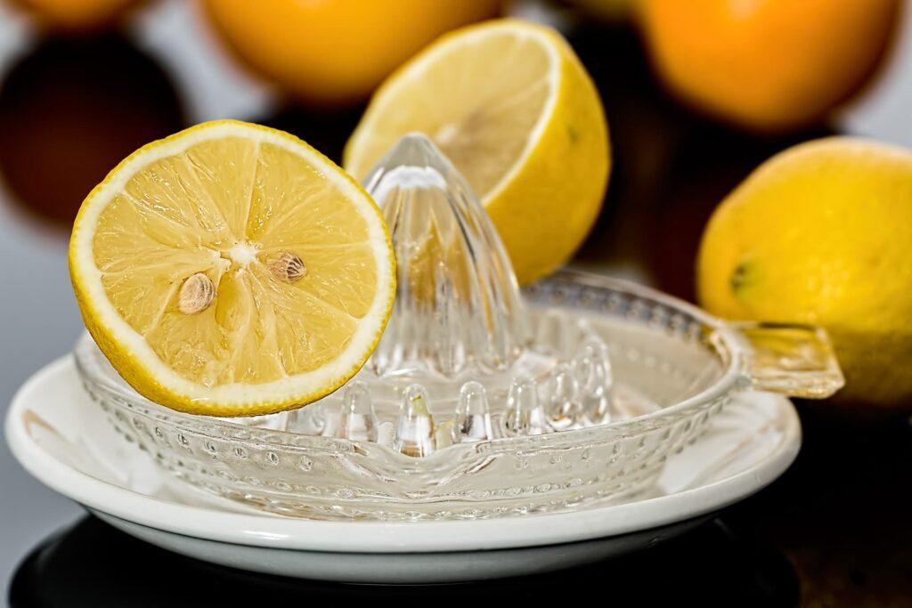 How long do lemons last in the fridge?