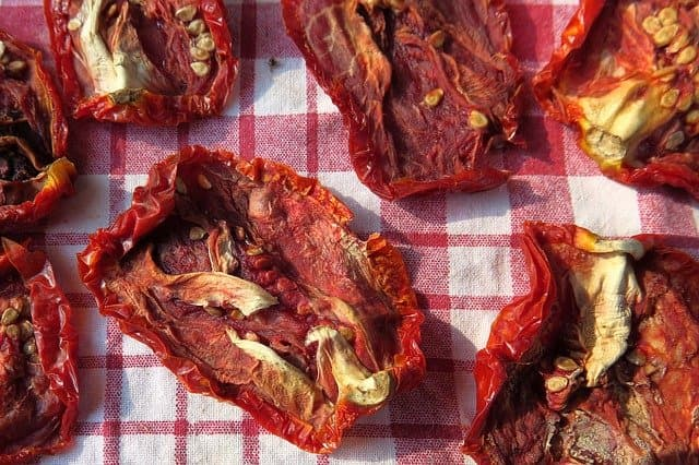 how long do sun dried tomatoes last at room temperature